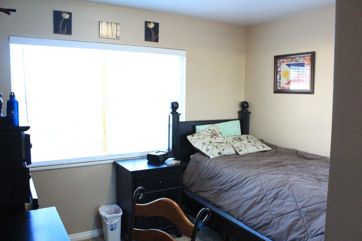 alpine-bedroom-1