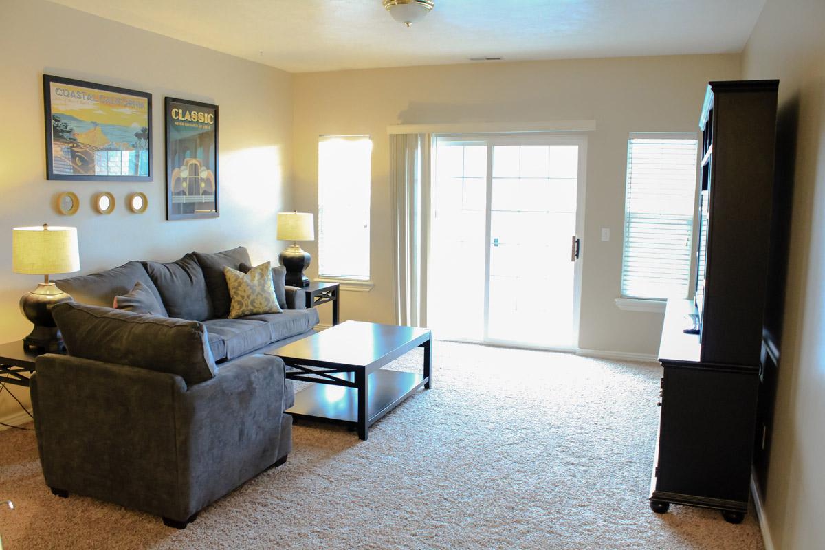 manti-living-room-2