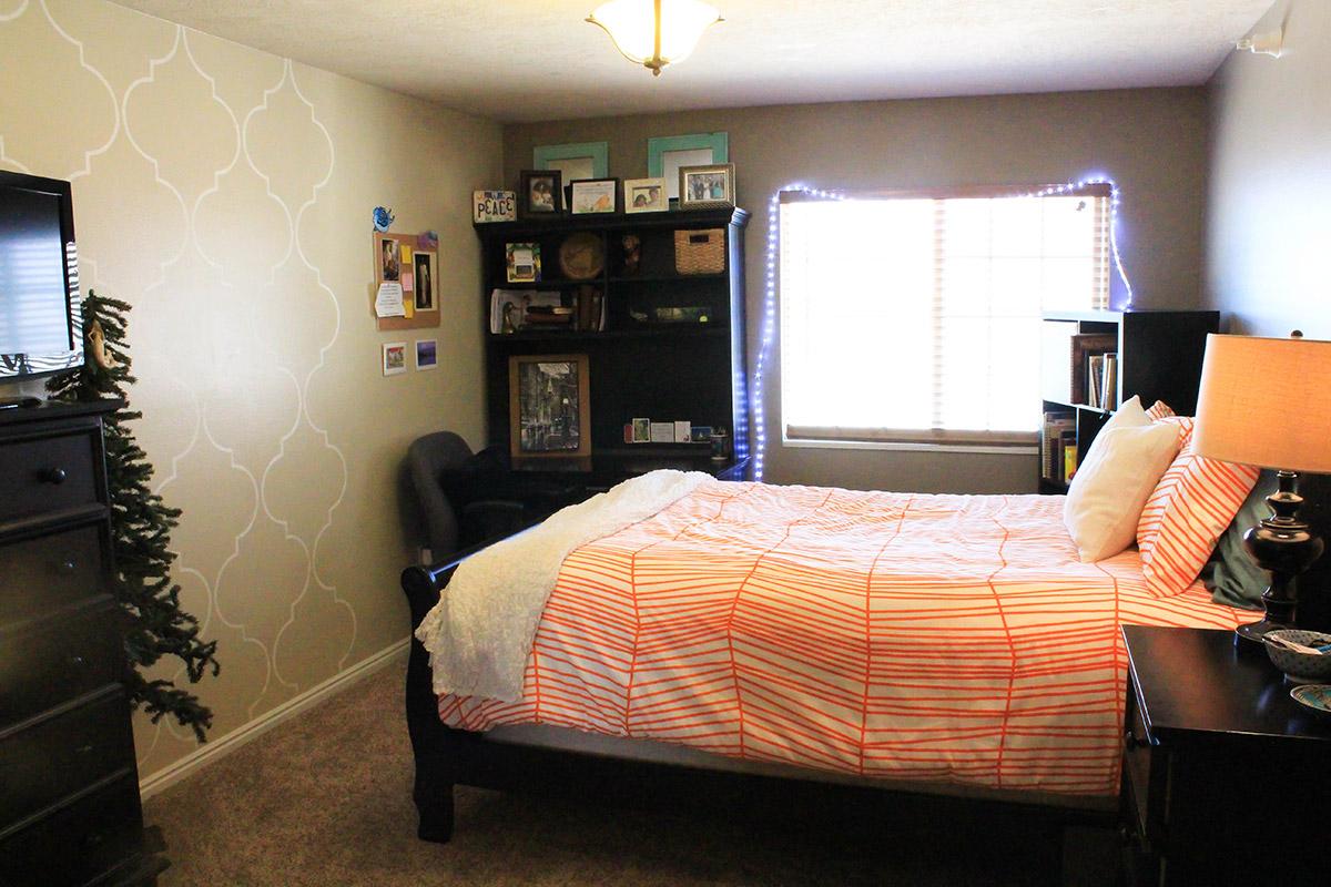 bountiful-master-bedroom-1